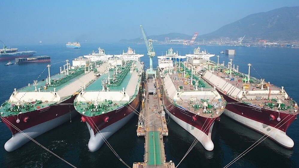 Shell launches LNG Outlook 2018   Shell Global