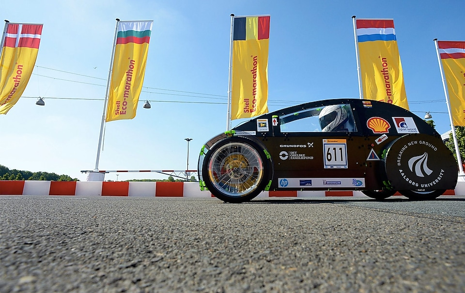 Shell Eco-marathon car on track