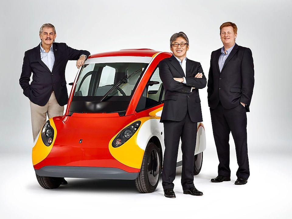 Shell concept car and Gordon Murray, Bob Mainwaring and Hidehito Ikebe