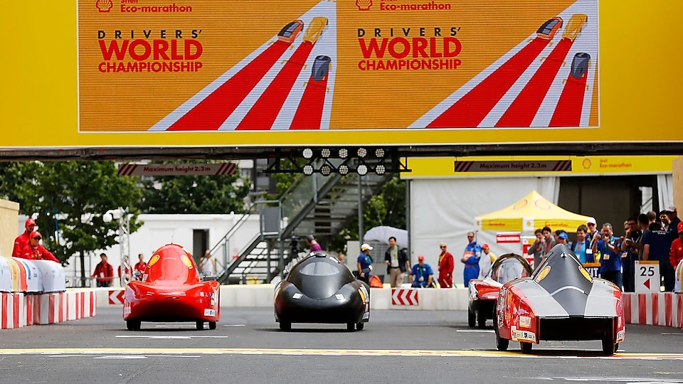 Cars line up for the Drivers World Championship