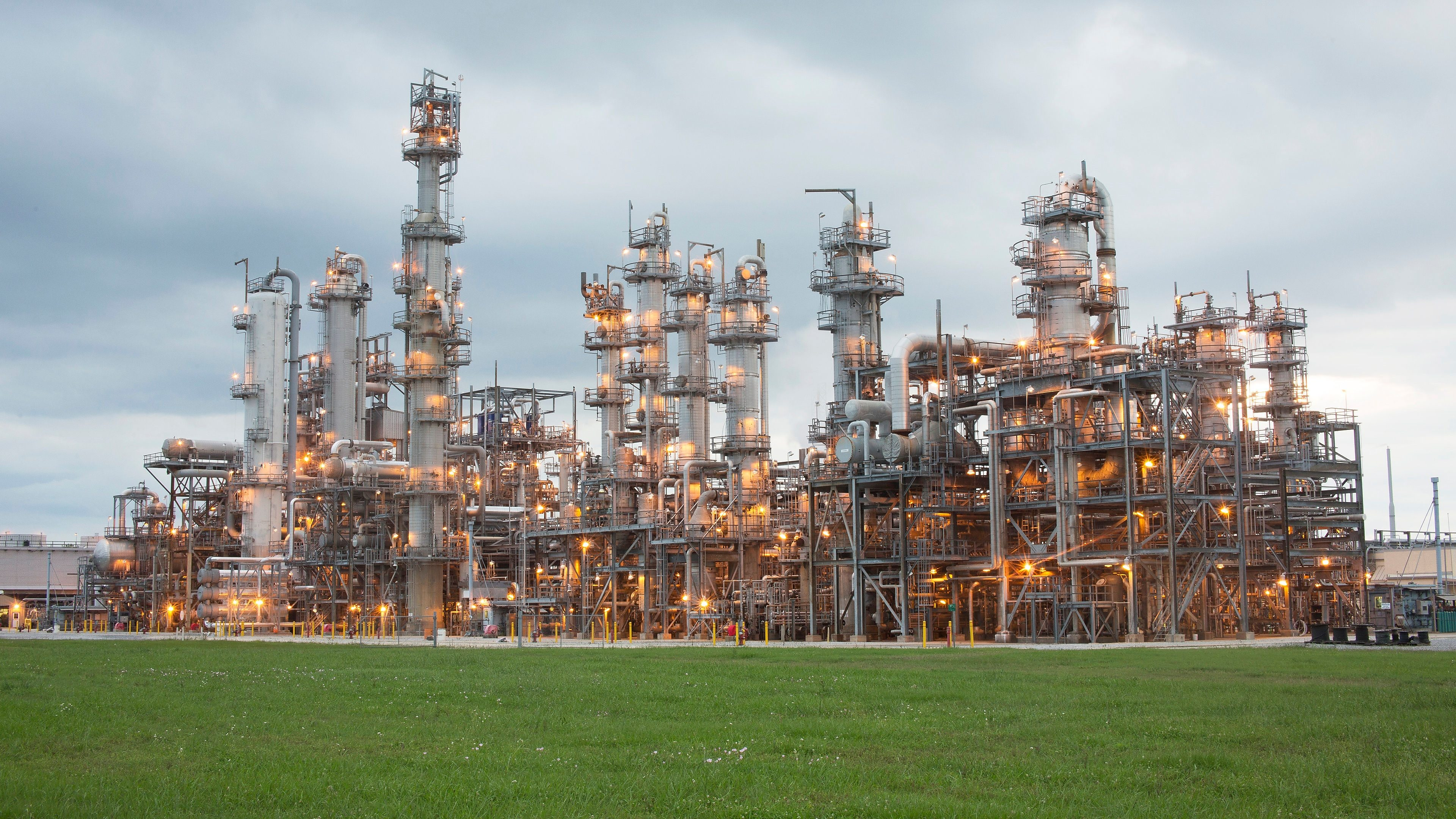 Shell safely starts production at new petrochemical unit in US Gulf