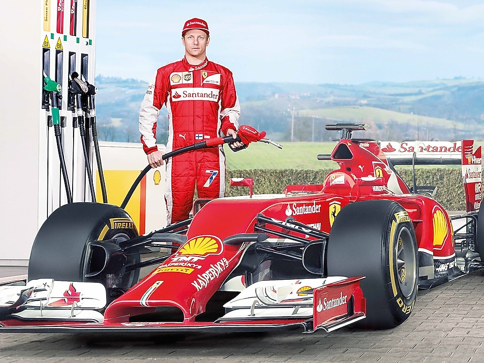 Ferrari F1 driver using Shell Helix Ultra oil to fill up car